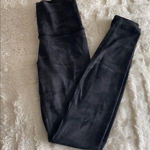 Lululemon Black Camo Wunder Under Leggings